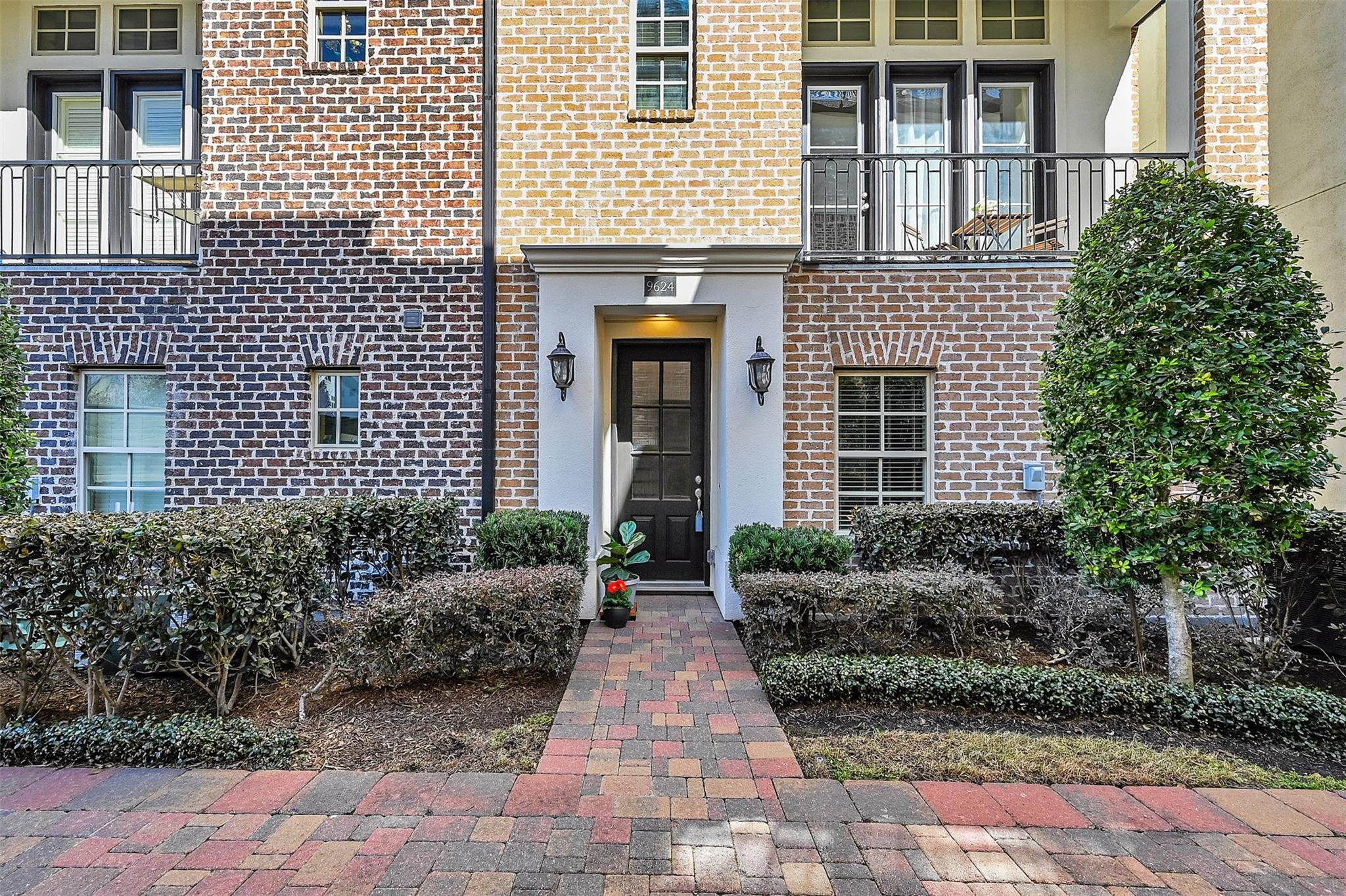 9624 Fannin Station W Property Photo - Houston, TX real estate listing