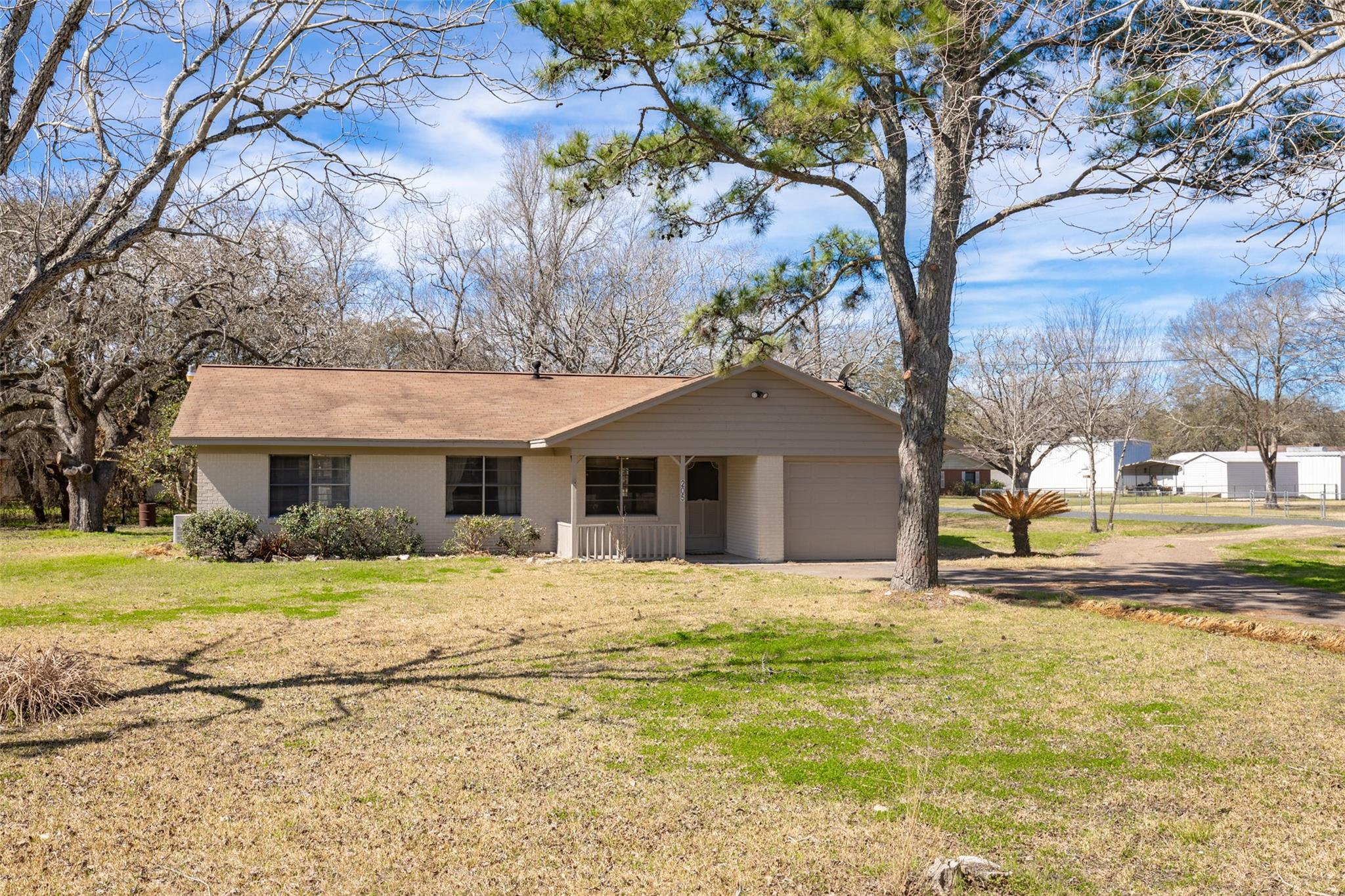 205 Fm 1160 Road Property Photo - Louise, TX real estate listing