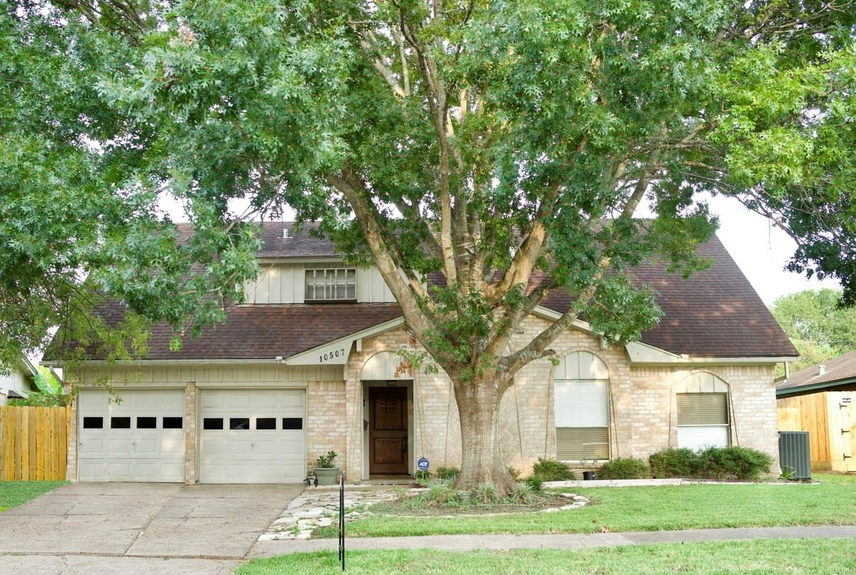 10507 Silkwood Drive Property Photo - Houston, TX real estate listing