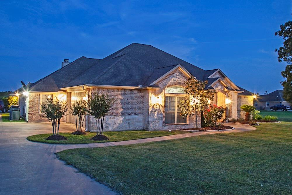 4044 Austins Estates Drive Property Photo - Bryan, TX real estate listing