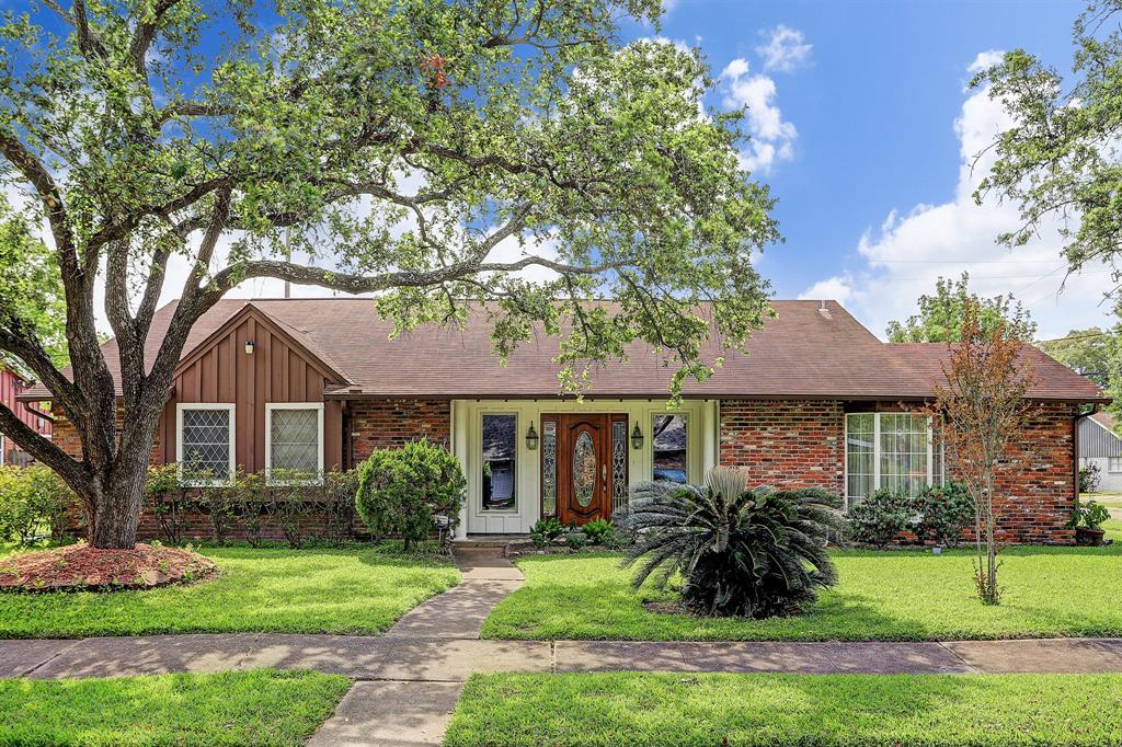 2202 Lillian Street Property Photo - Pasadena, TX real estate listing