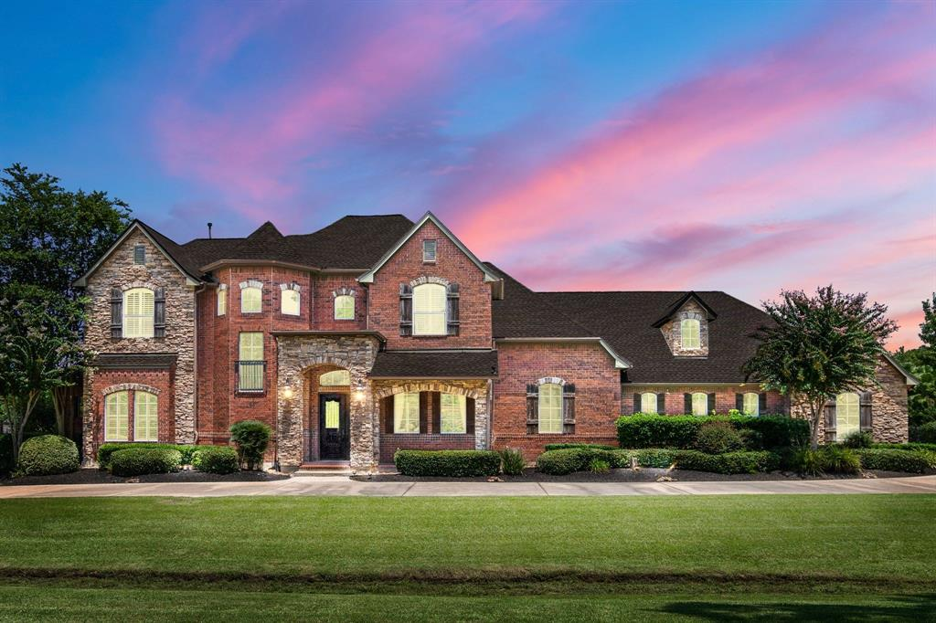 14 Gleannloch Estates Drive Property Photo - Spring, TX real estate listing