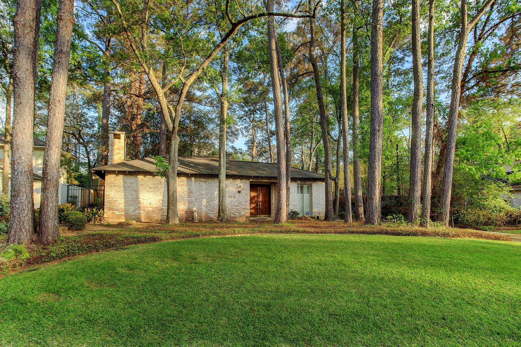 214 Tamerlaine Drive Drive Property Photo - Bunker Hill Village, TX real estate listing