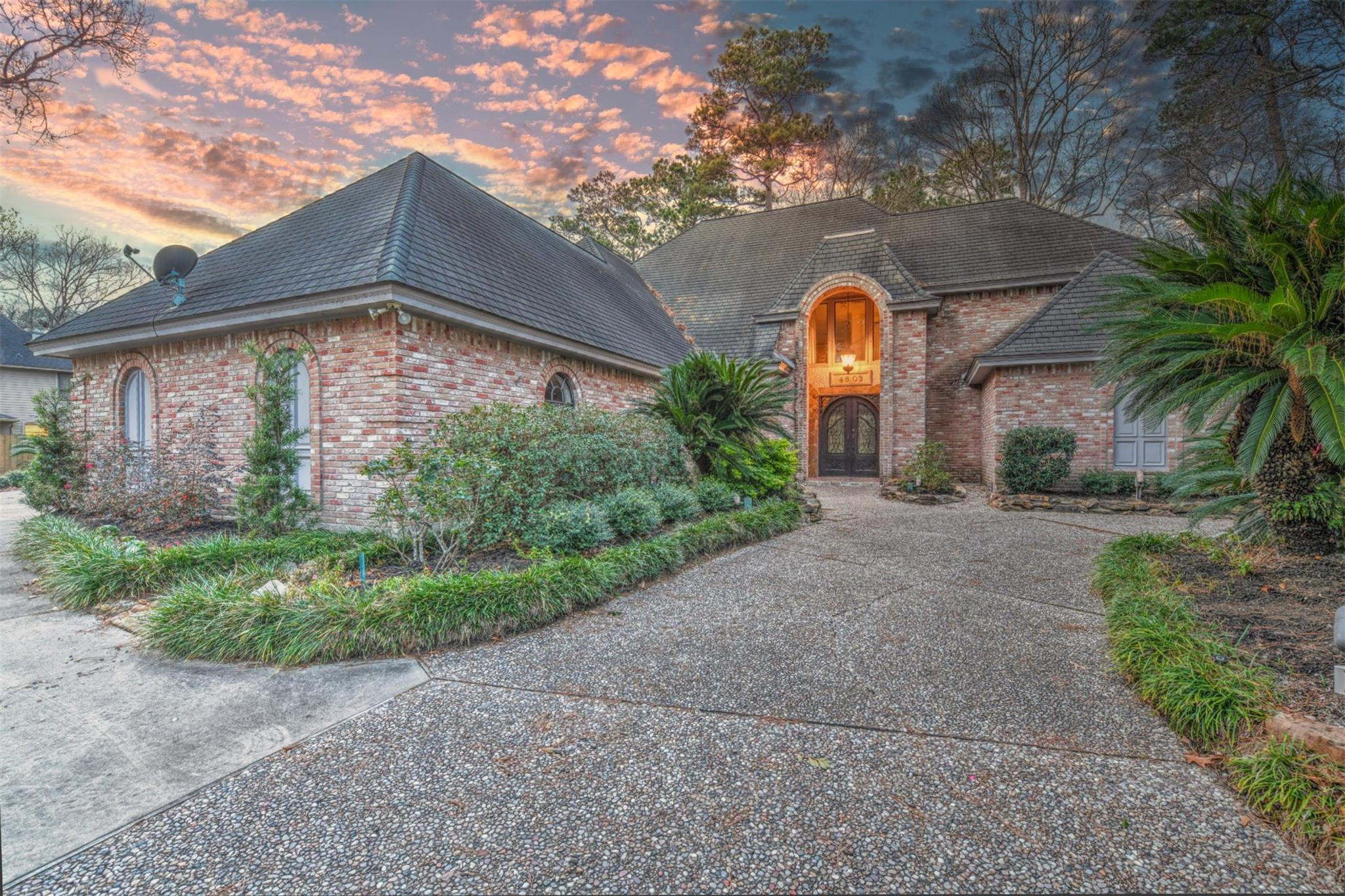4803 Big Falls Drive Property Photo - Kingwood, TX real estate listing