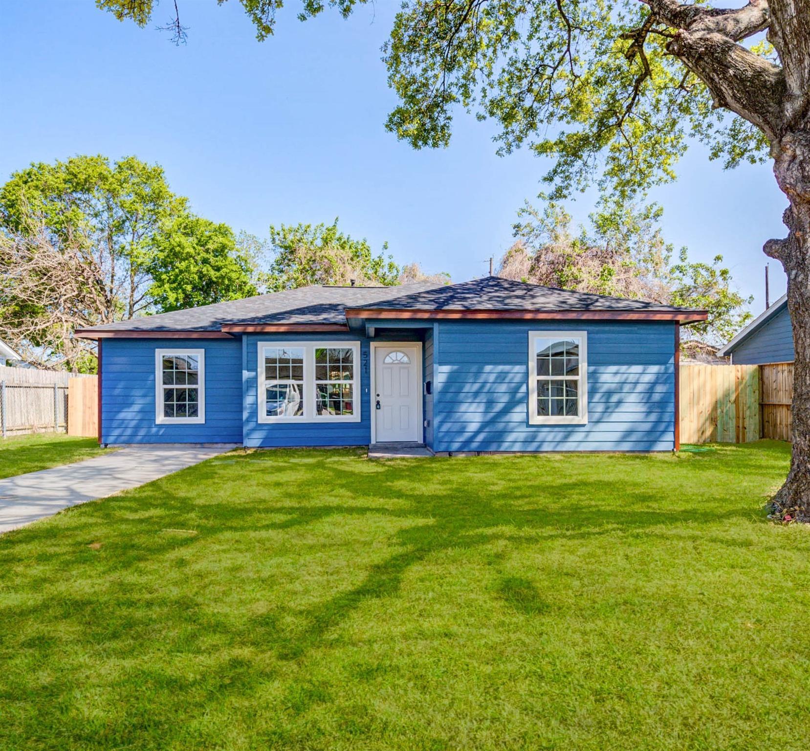 521 Ellena Road Property Photo