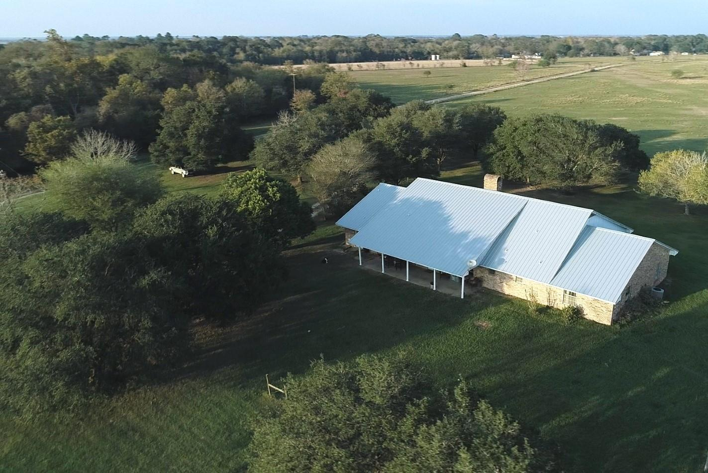 881 N CR291 N Property Photo - East Bernard, TX real estate listing