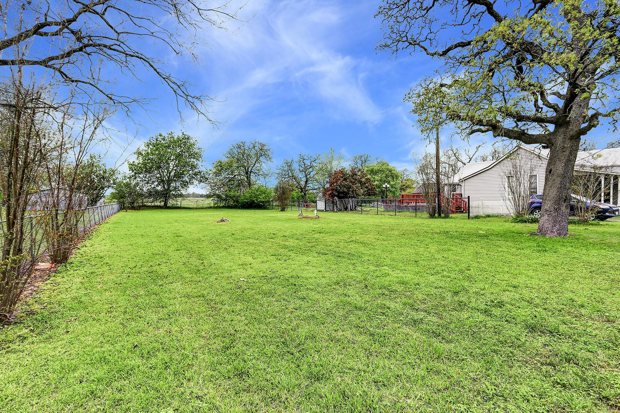 160 Heritage Property Photo - Carmine, TX real estate listing