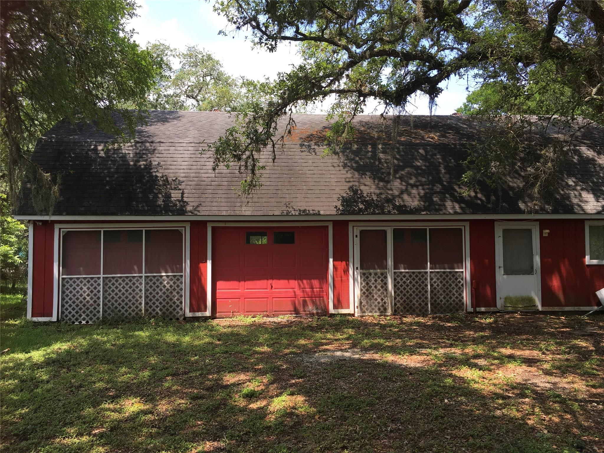 39 County Road 297 Oak Circle Circle Property Photo 1