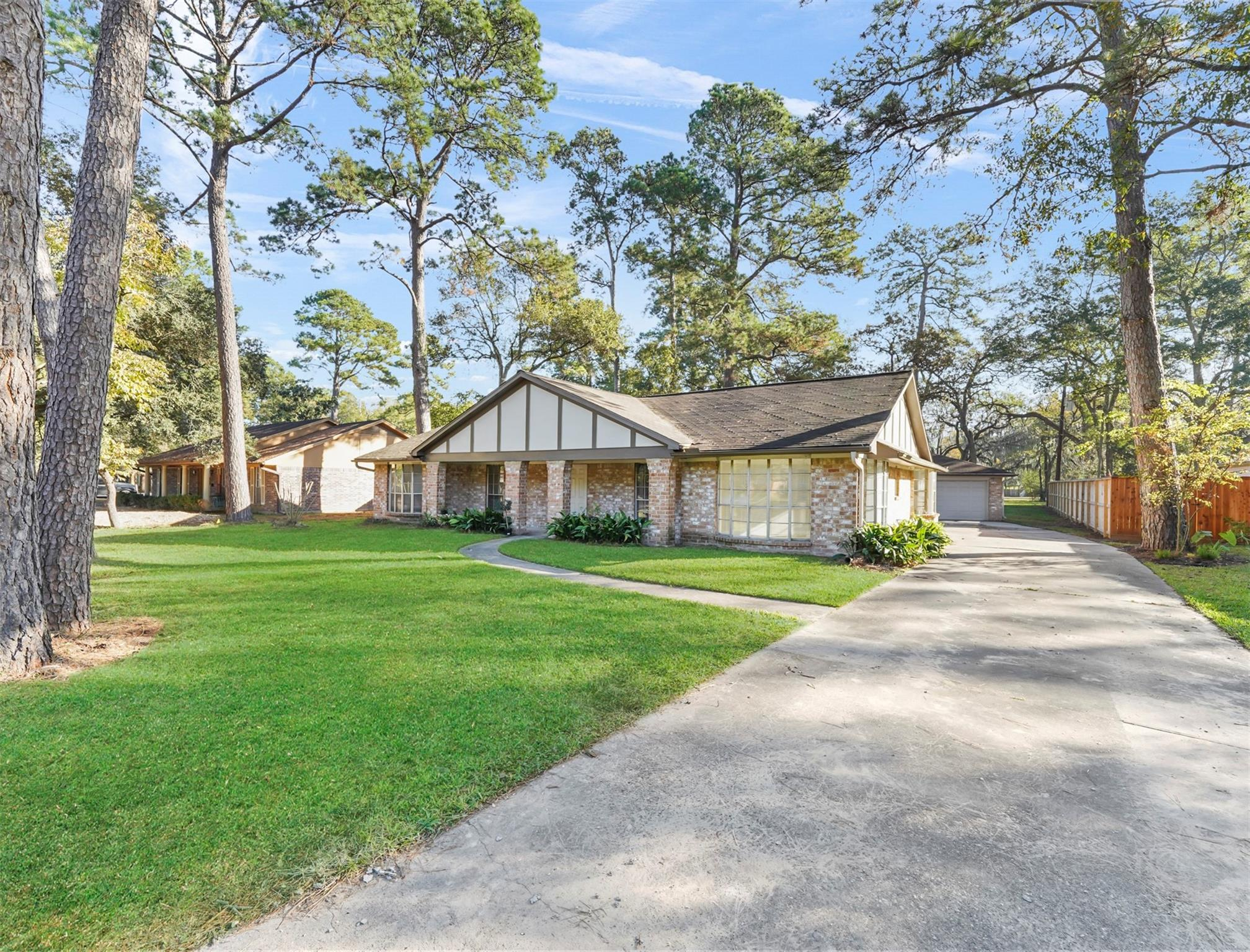 11926 Beverly Drive Property Photo - Houston, TX real estate listing