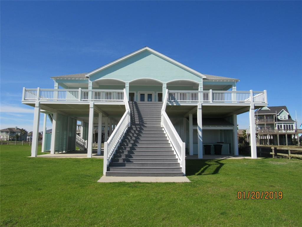 3244 Gulf Castle Drive Property Photo - Crystal Beach, TX real estate listing
