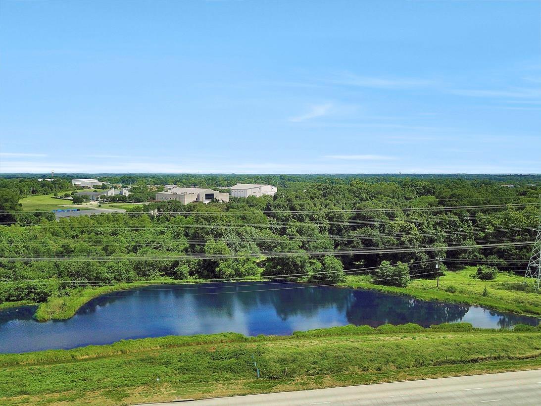 1812 N Sam Houston Parkway Parkway W Property Photo