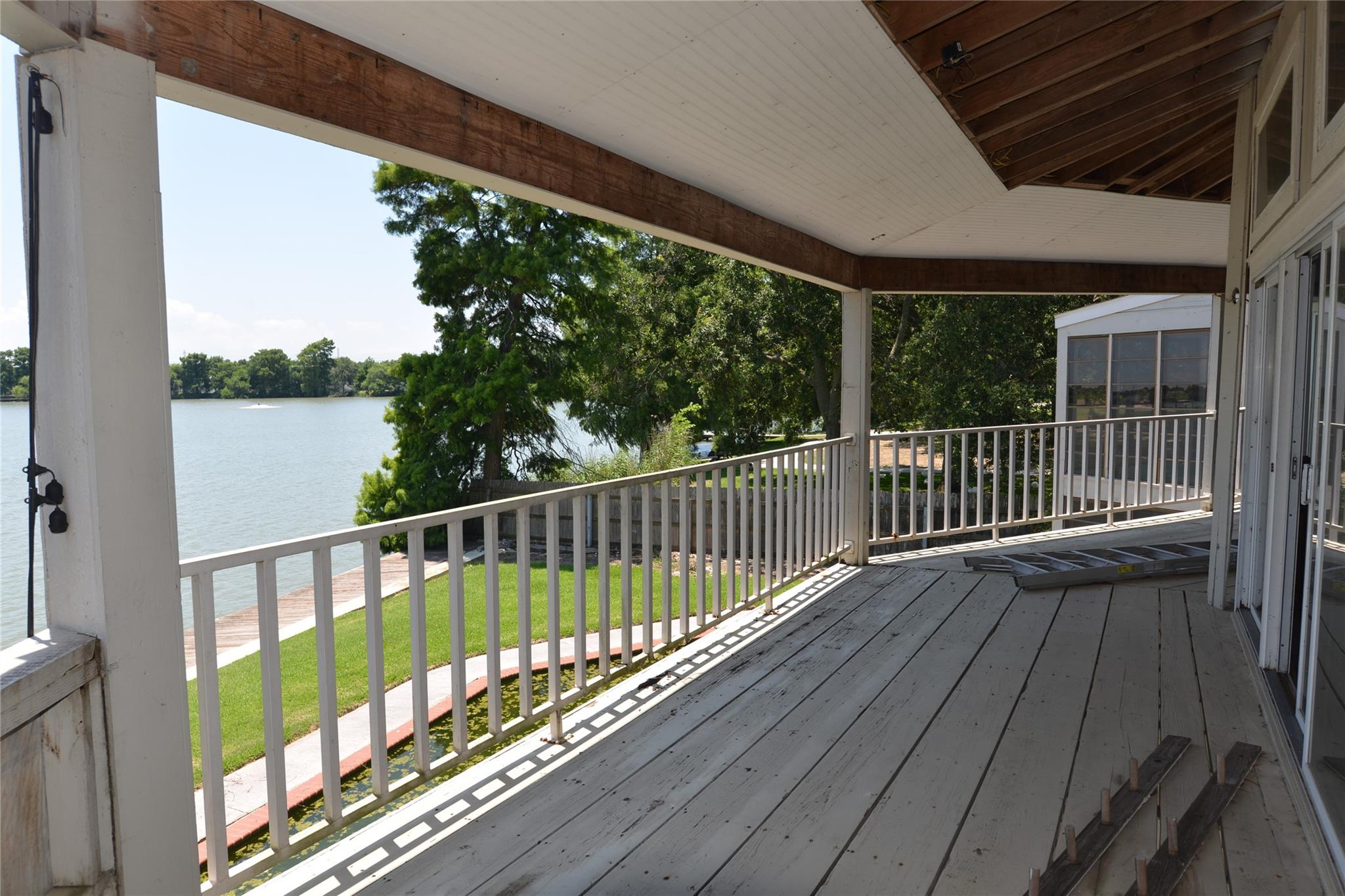 18727 Point Lookout Drive Property Photo