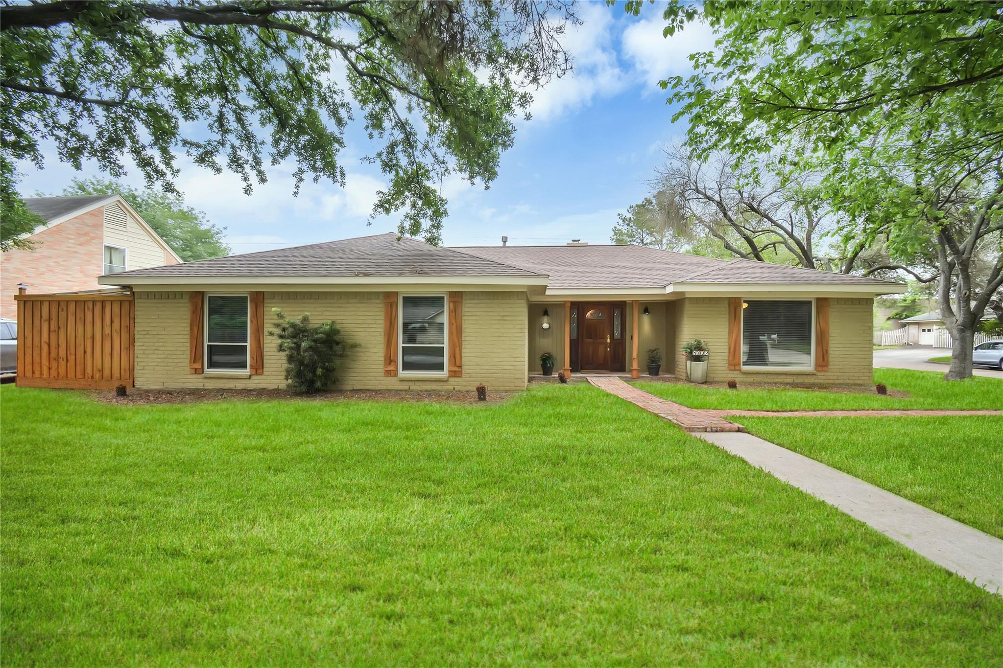 8302 Argentina Street Property Photo - Jersey Village, TX real estate listing