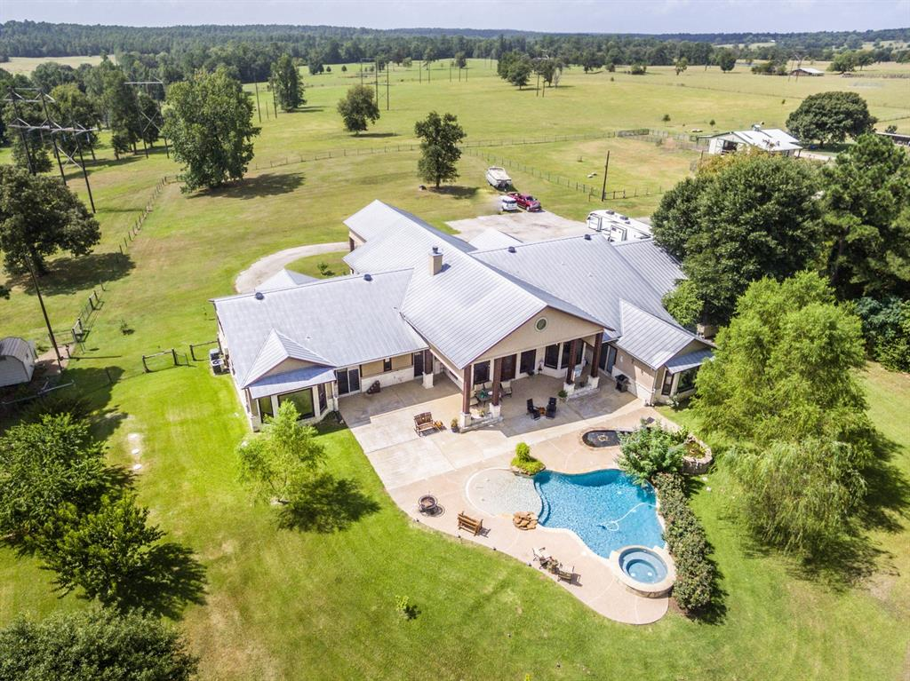 161 Robinson Road Property Photo - Huntsville, TX real estate listing
