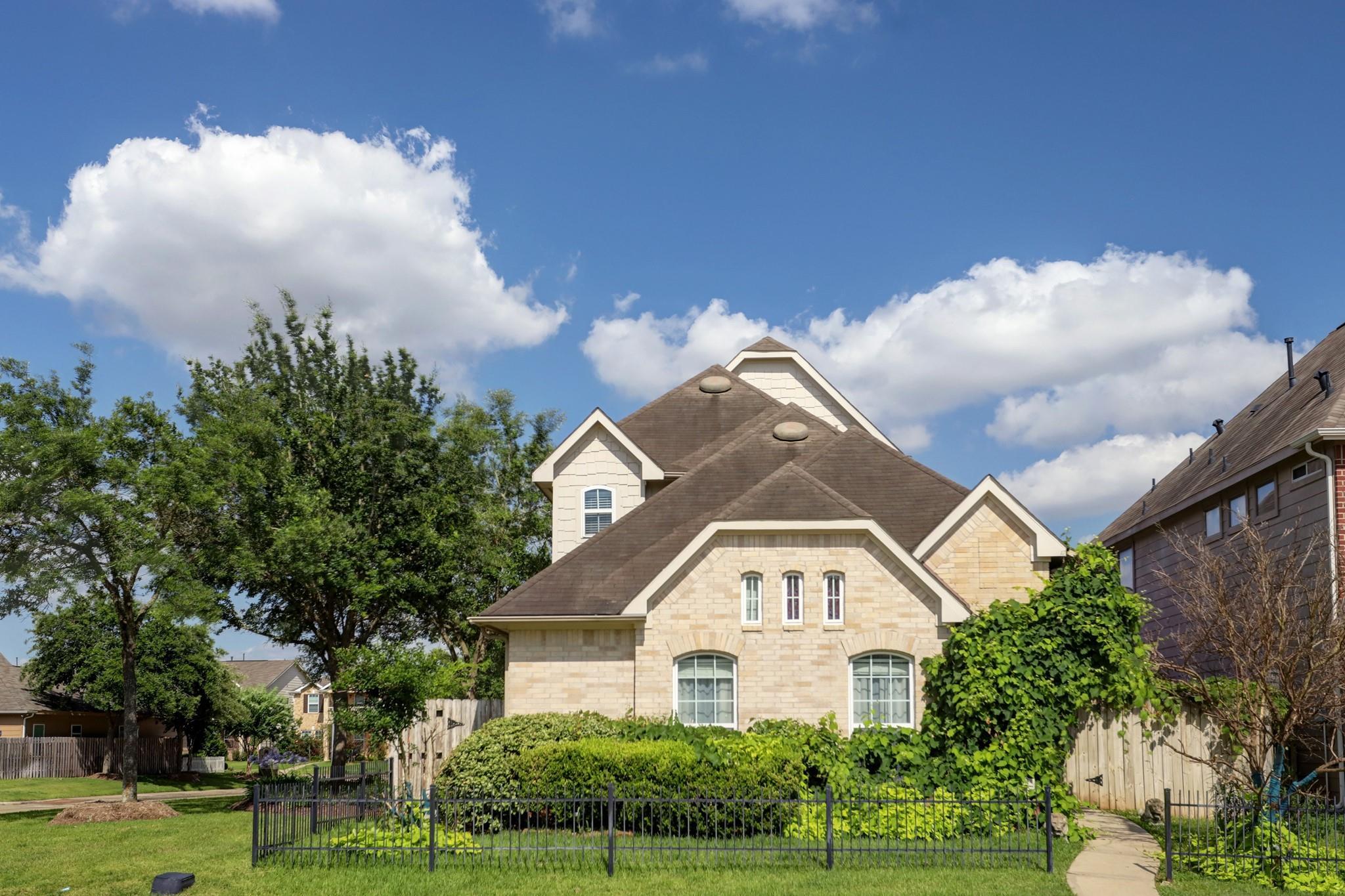 7407 Golden Star Drive Property Photo 1