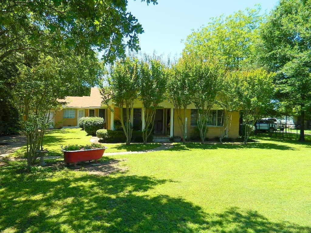 195 L County Road 852 Property Photo - Donie, TX real estate listing