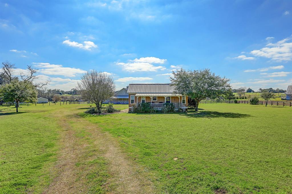 710 E Mill Street Road E Property Photo