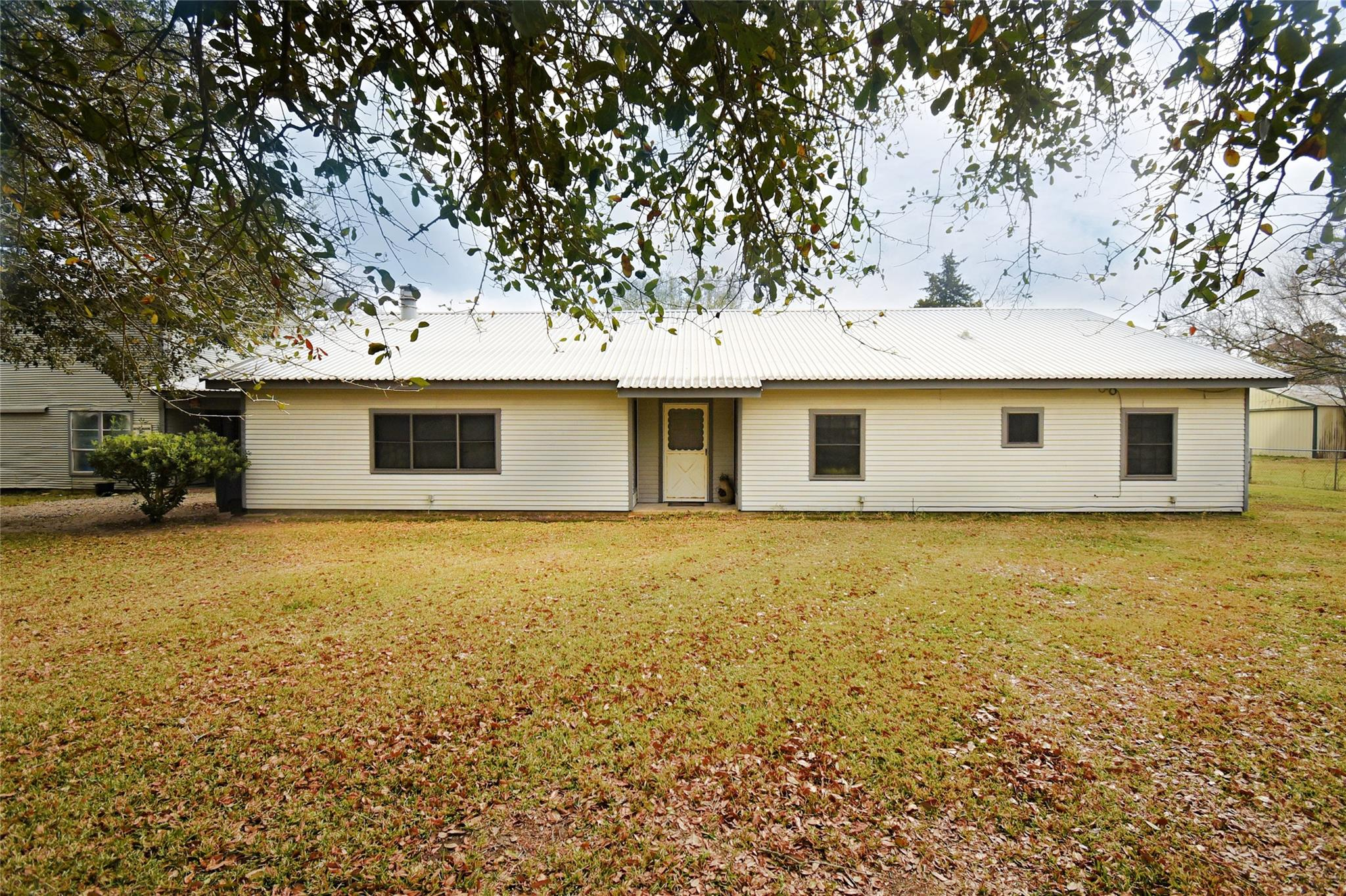 13431 Vrlla Road Property Photo - Guy, TX real estate listing