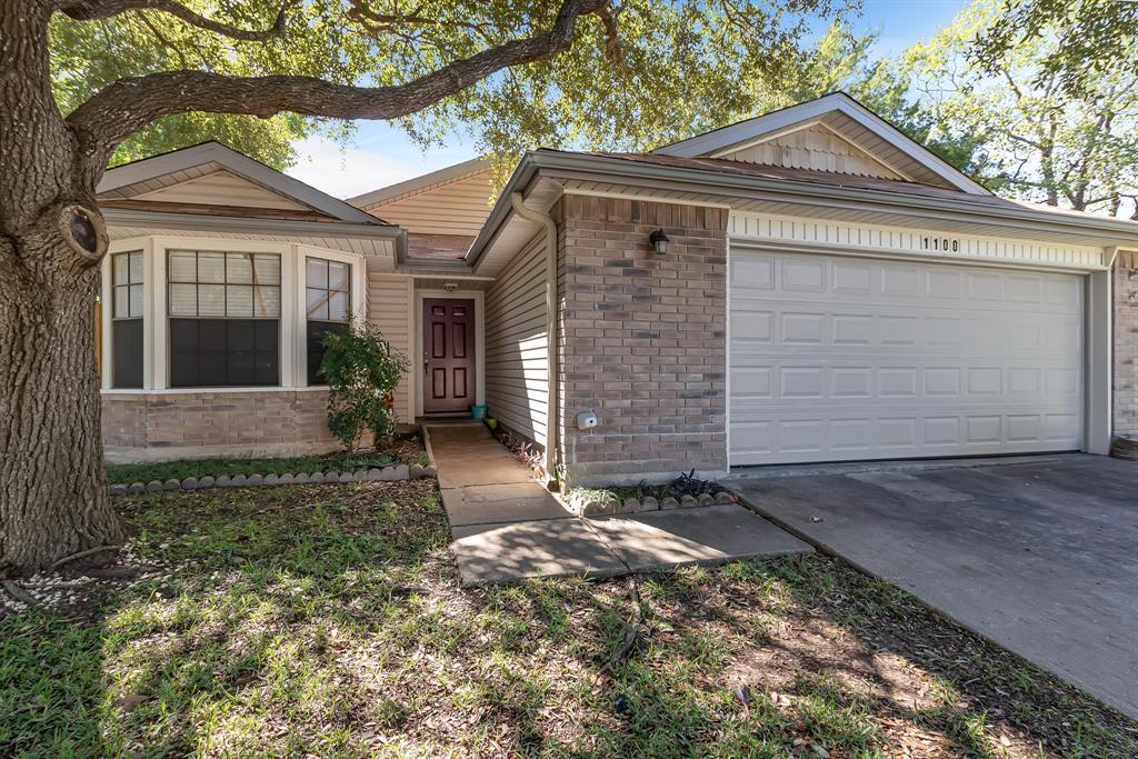 1100 Chinaberry Drive Property Photo - Bryan, TX real estate listing