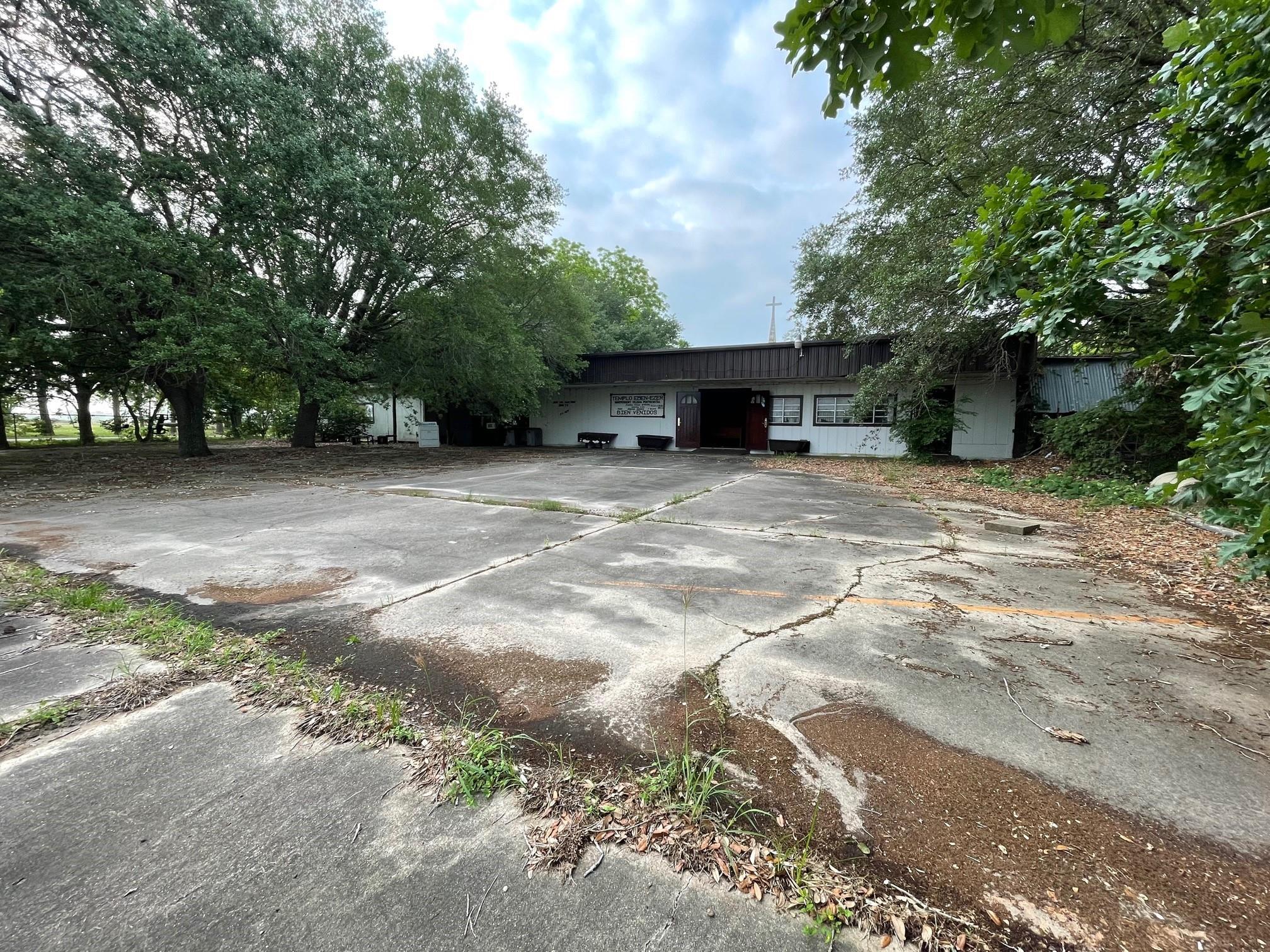 1103 Us Highway 59 N Property Photo