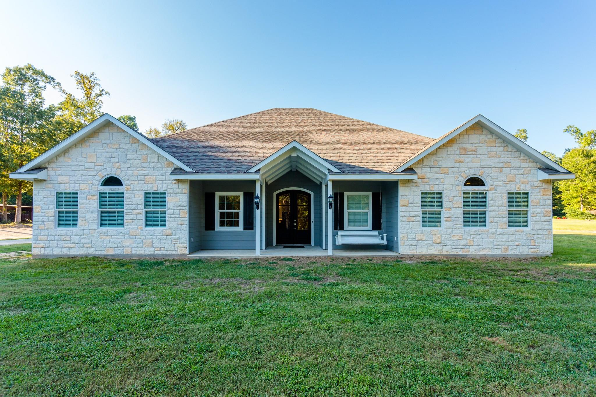 105 Northwest Drive Property Photo - Coldspring, TX real estate listing
