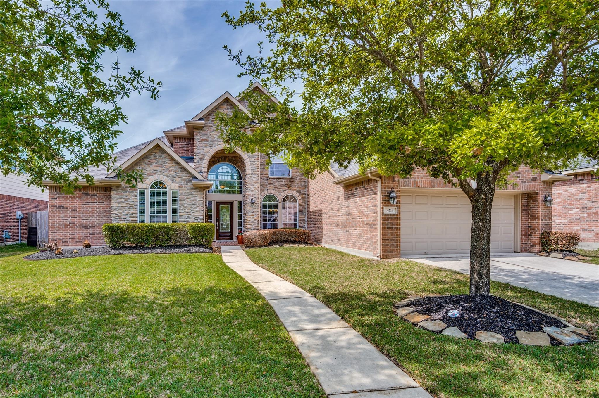 4514 Countrymeadows Drive Property Photo - Spring, TX real estate listing
