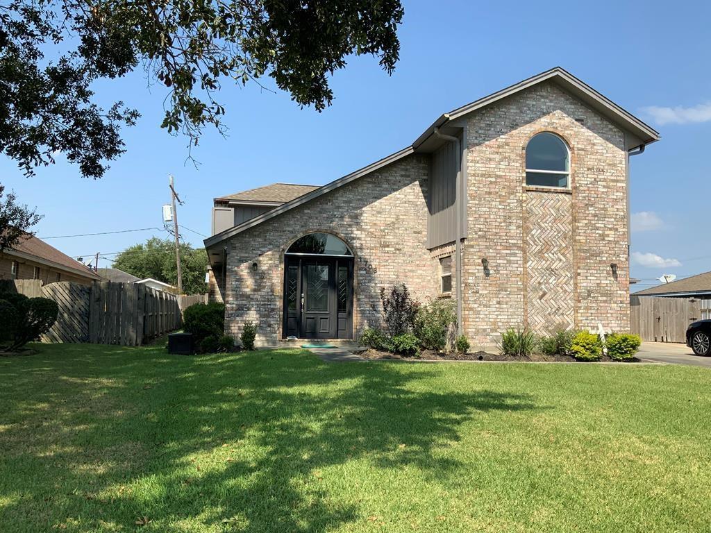 1708 Avenue M Avenue, Nederland, TX 77627 - Nederland, TX real estate listing