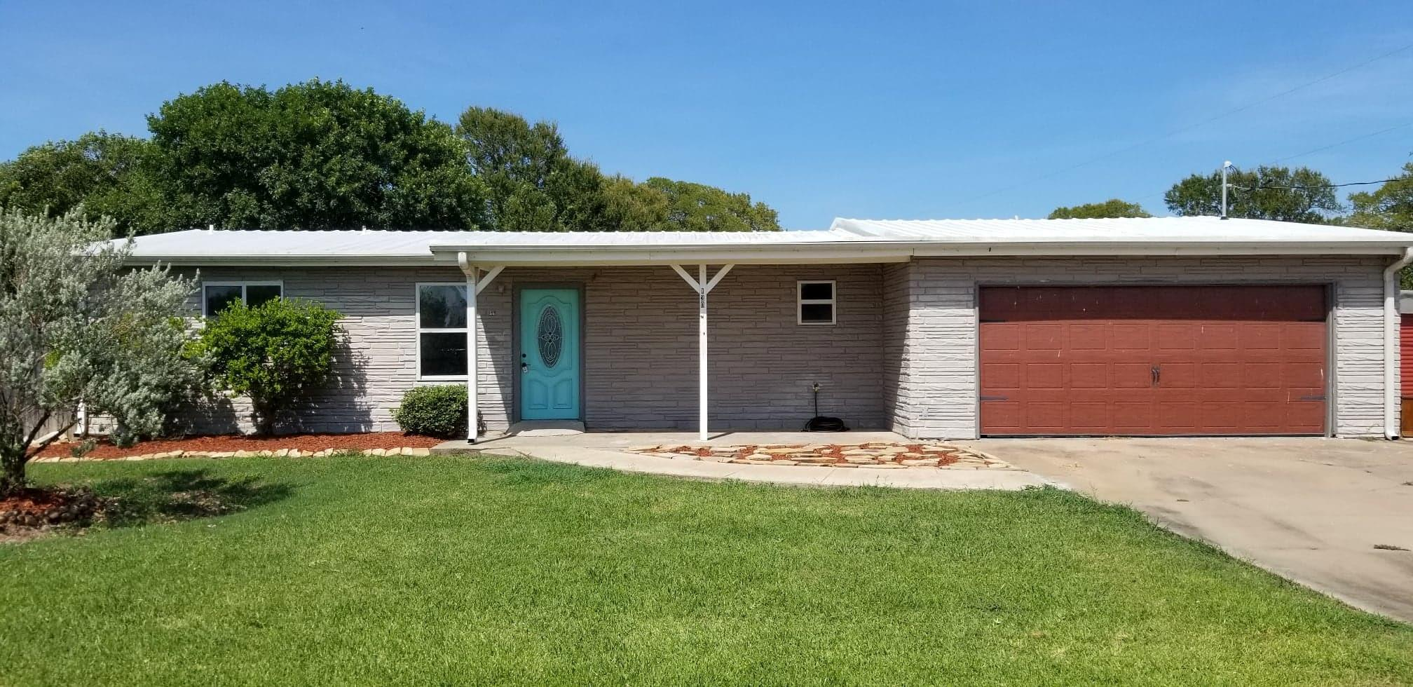 130 Burch Circle Property Photo - Oyster Creek, TX real estate listing