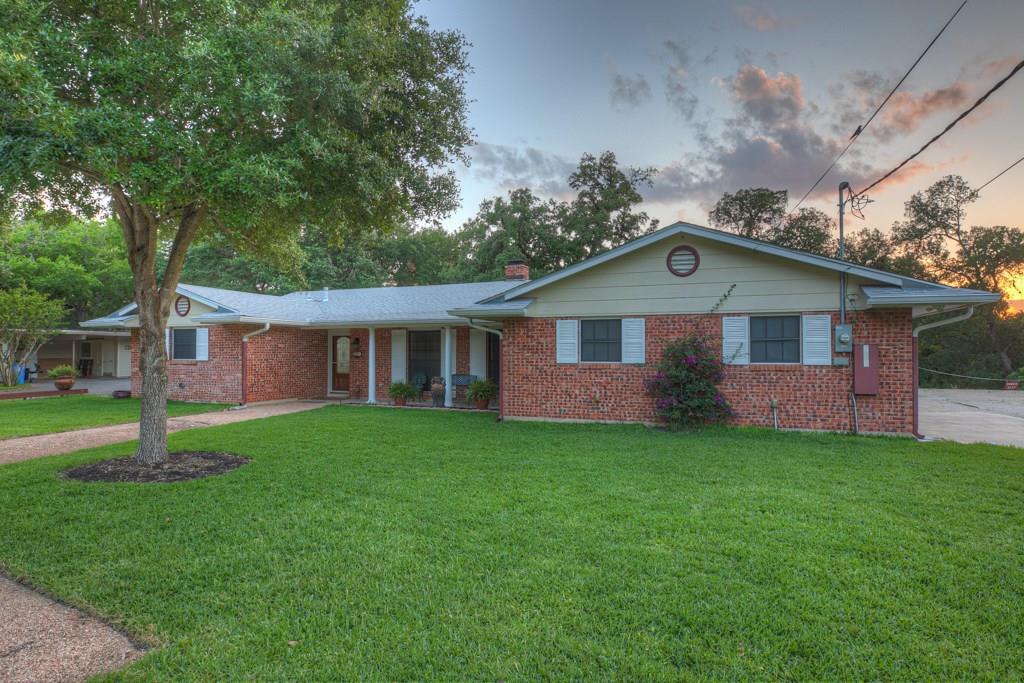 701 Gloria Drive Property Photo - Seguin, TX real estate listing