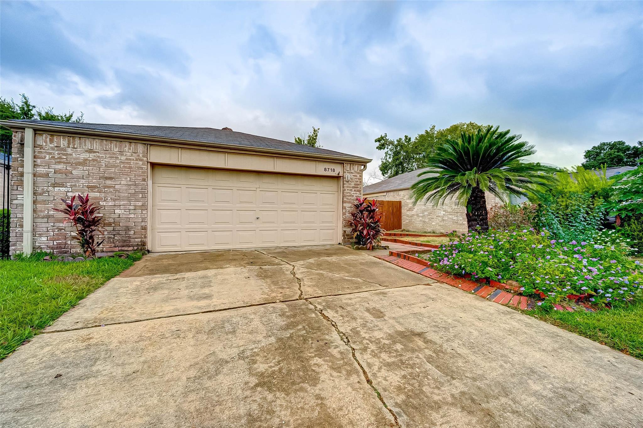 8718 Ketchwood Drive Property Photo - Houston, TX real estate listing