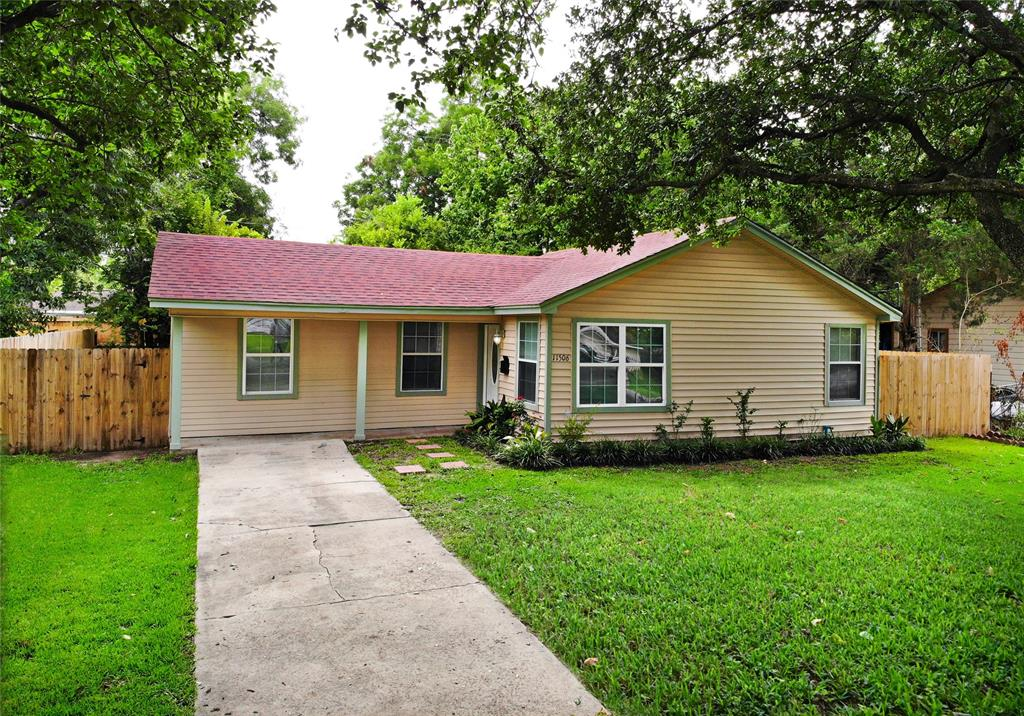 11506 Courtshire Road Property Photo - Houston, TX real estate listing