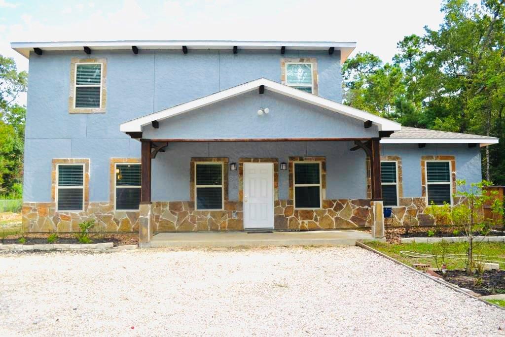 21328 White Oak Drive Property Photo 1