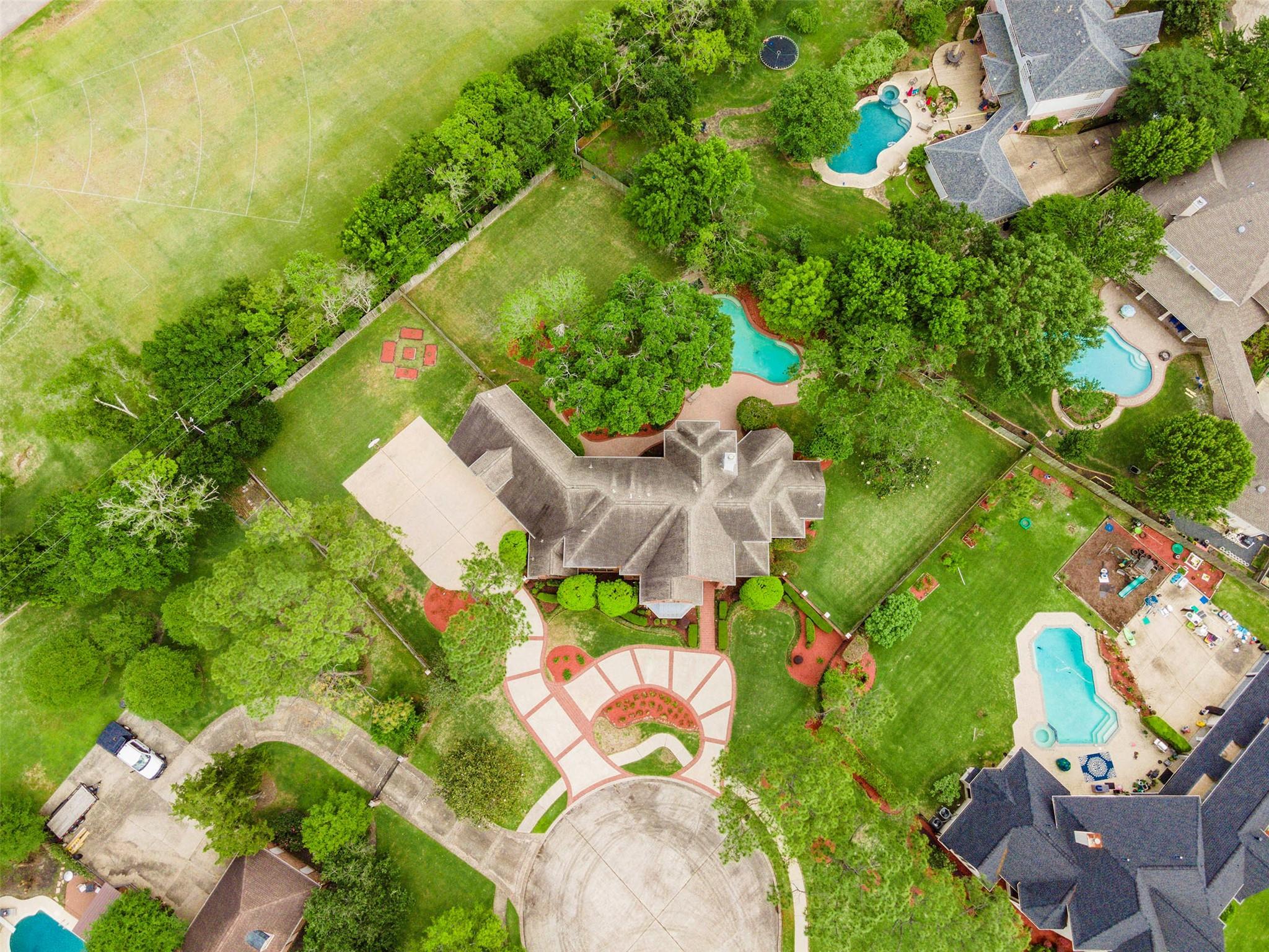 470 Fox Run Lane Property Photo - League City, TX real estate listing