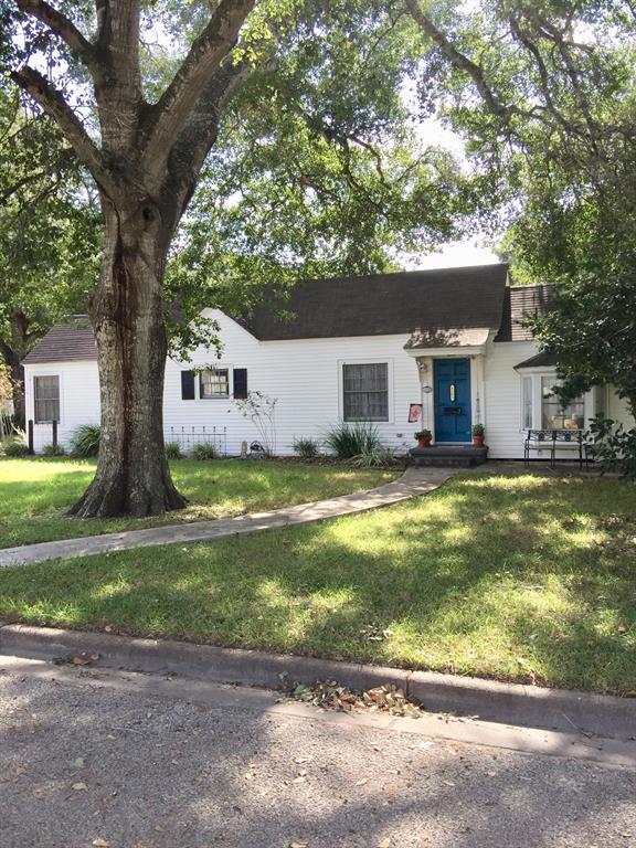 1103 Alvin Street, El Campo, TX 77437 - El Campo, TX real estate listing