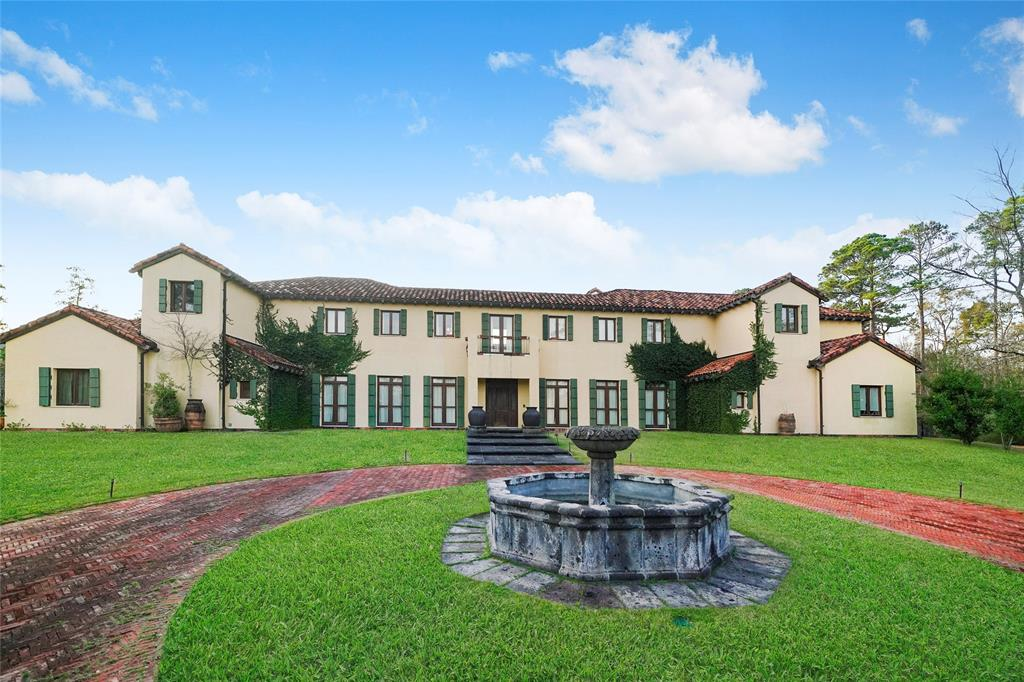 19 Grand Colonial Drive Property Photo - The Woodlands, TX real estate listing