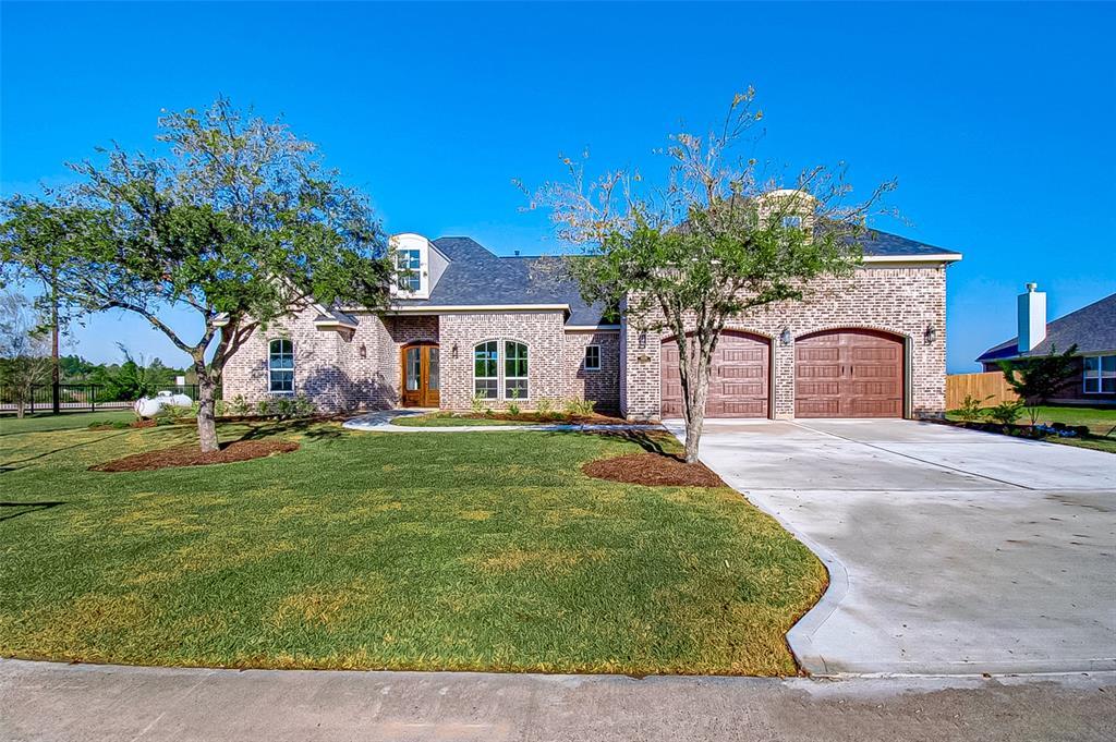11215 Kings Point Boulevard, Mont Belvieu, TX 77580 - Mont Belvieu, TX real estate listing