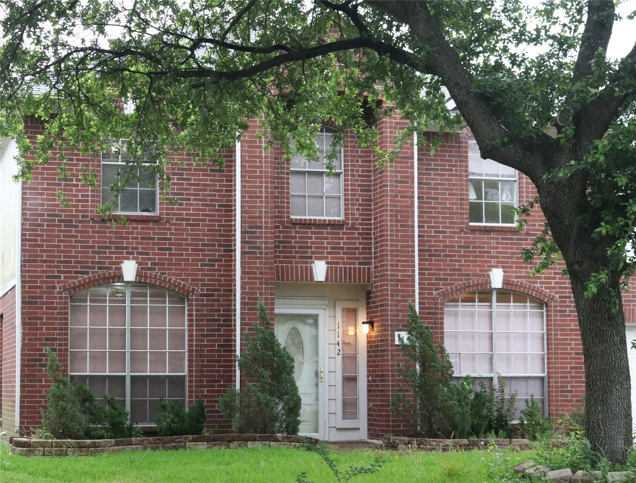 1142 Heathfield Property Photo