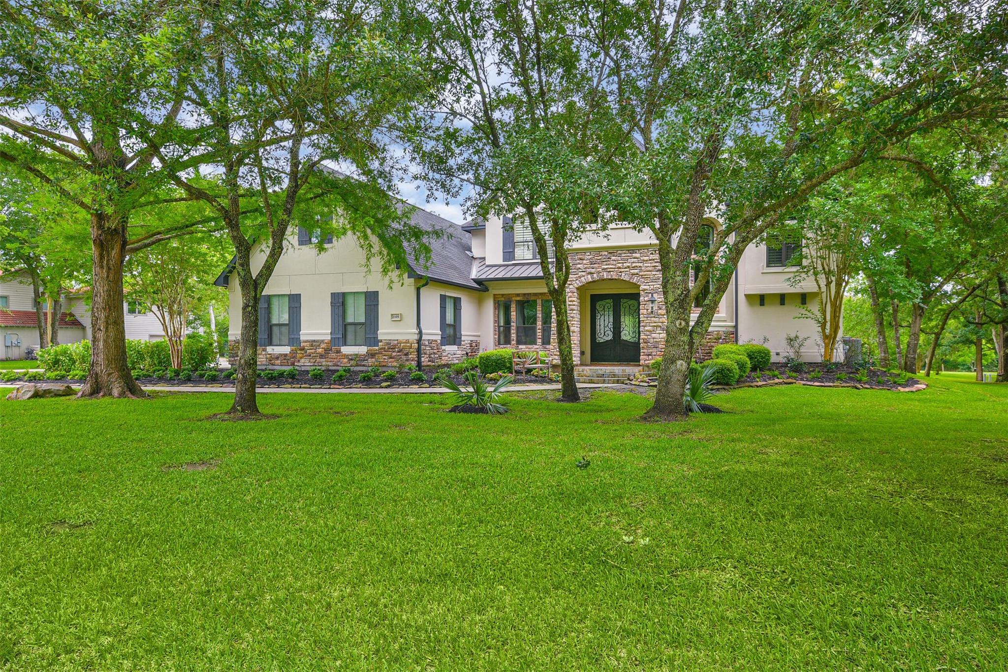 2105 Pine Drive Property Photo
