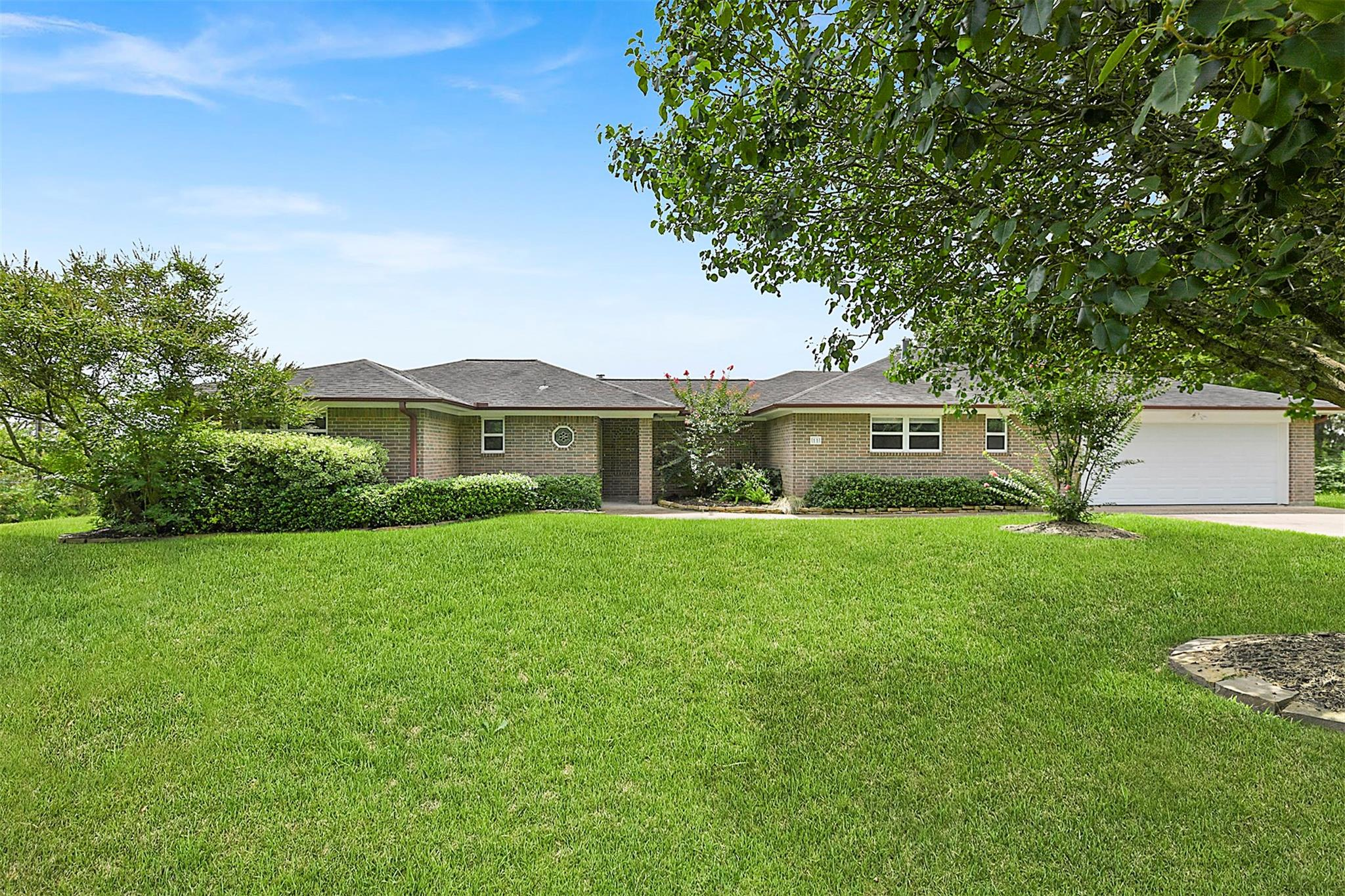 11 Oak Hill Drive Property Photo - Point Blank, TX real estate listing