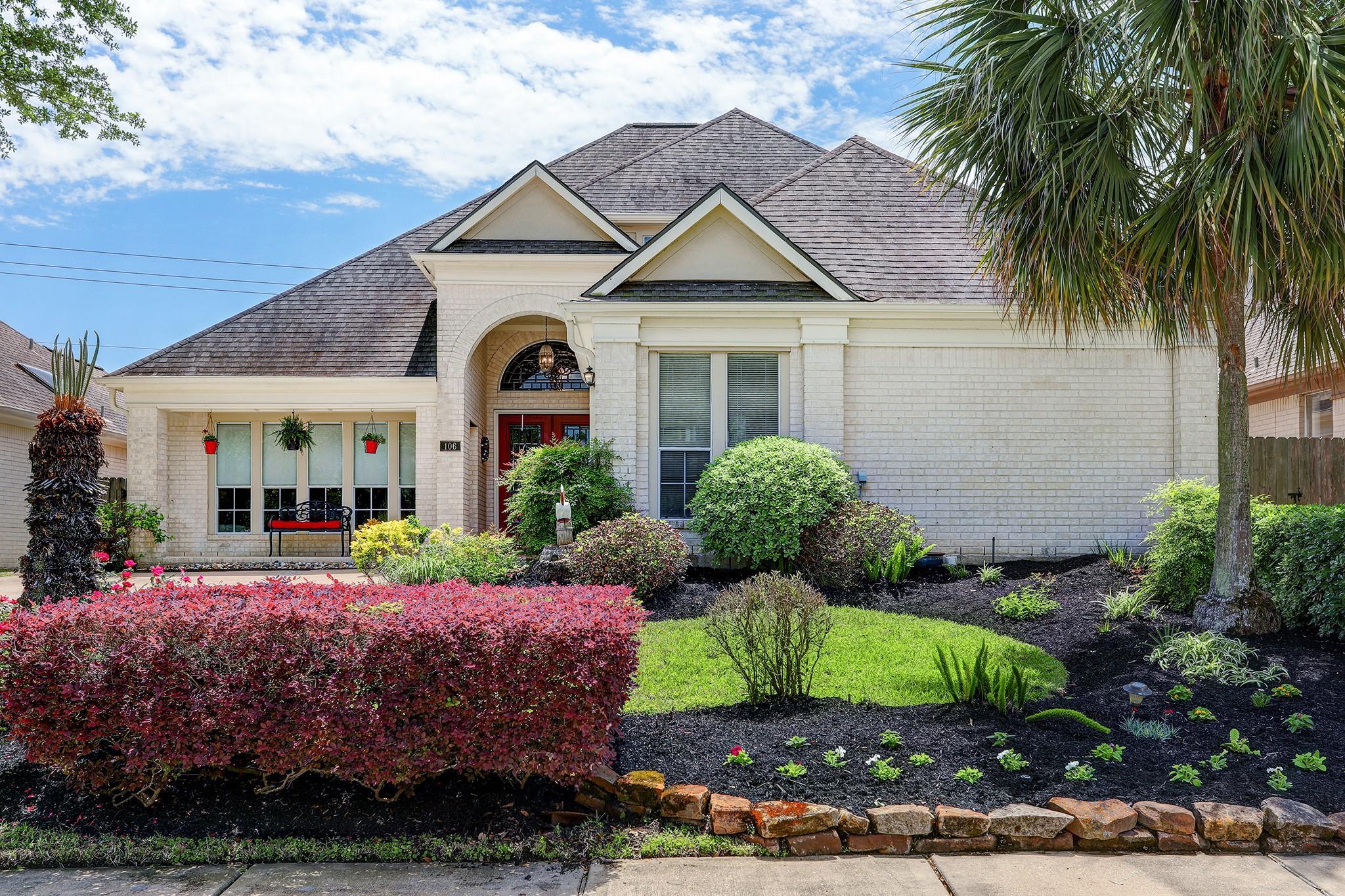 106 Las Brisas Street Property Photo - Kemah, TX real estate listing