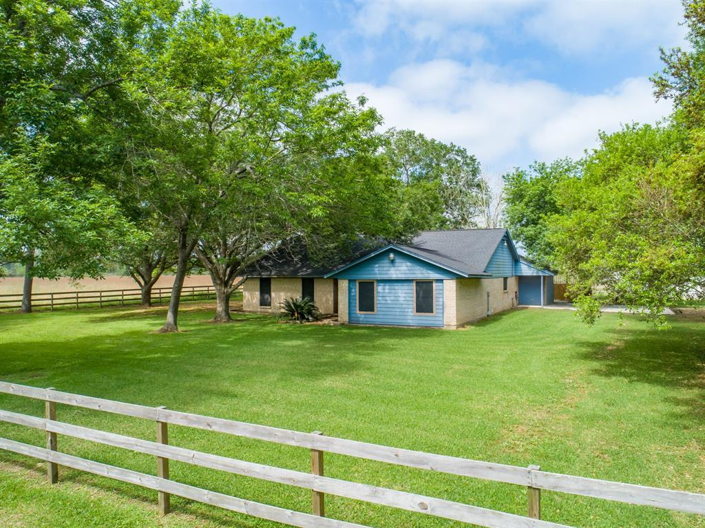 1901 Counthy Road 152, Alvin, TX 77511 - Alvin, TX real estate listing
