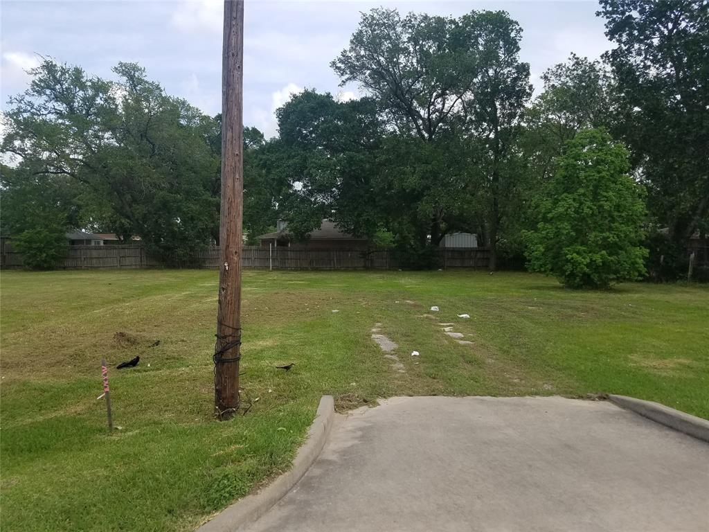 211 Dulles Avenue Property Photo - Stafford, TX real estate listing