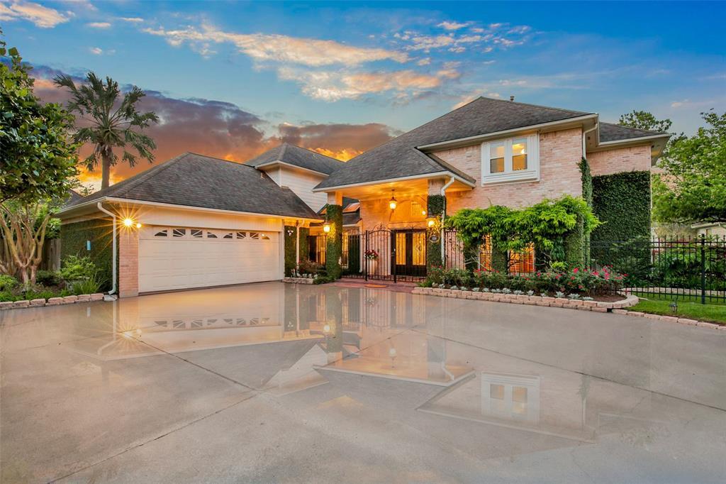 1330 Sugar Creek Boulevard Property Photo - Sugar Land, TX real estate listing