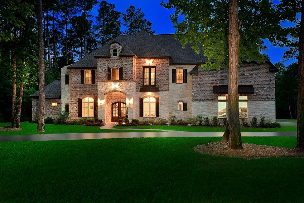 10233 S Autumn Leaf Circle Property Photo - Magnolia, TX real estate listing