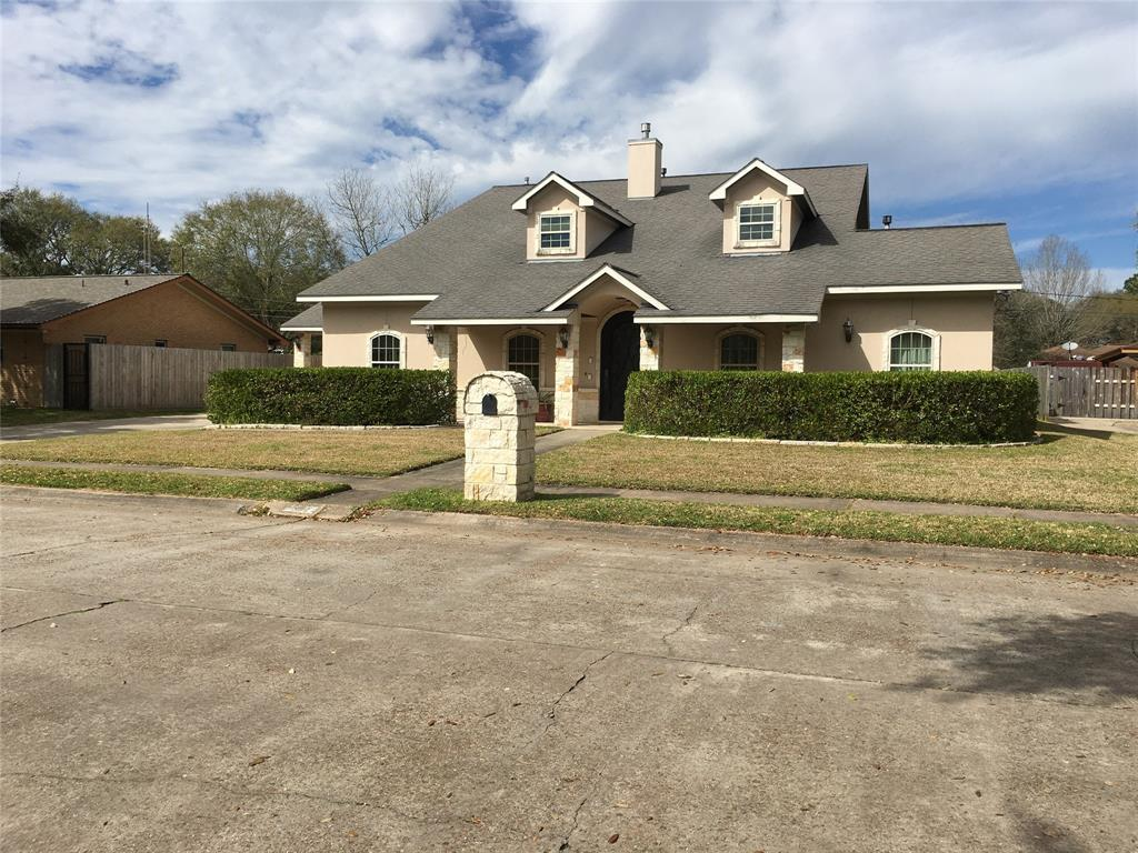 2302 E Mockingbird Street E Property Photo - Baytown, TX real estate listing
