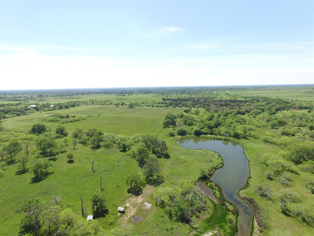 000 Robbins Cemetery Road Property Photo - Flatonia, TX real estate listing