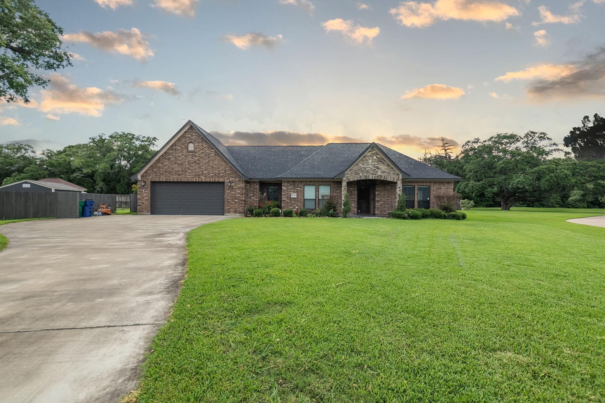 1029 Heritage Oaks Drive Property Photo 1