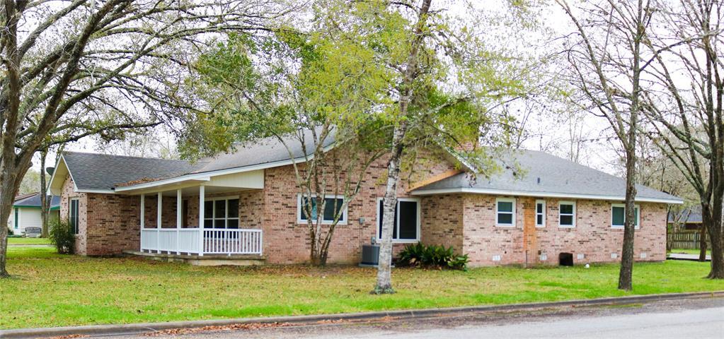 801 Fulton Street, Edna, TX 77957 - Edna, TX real estate listing