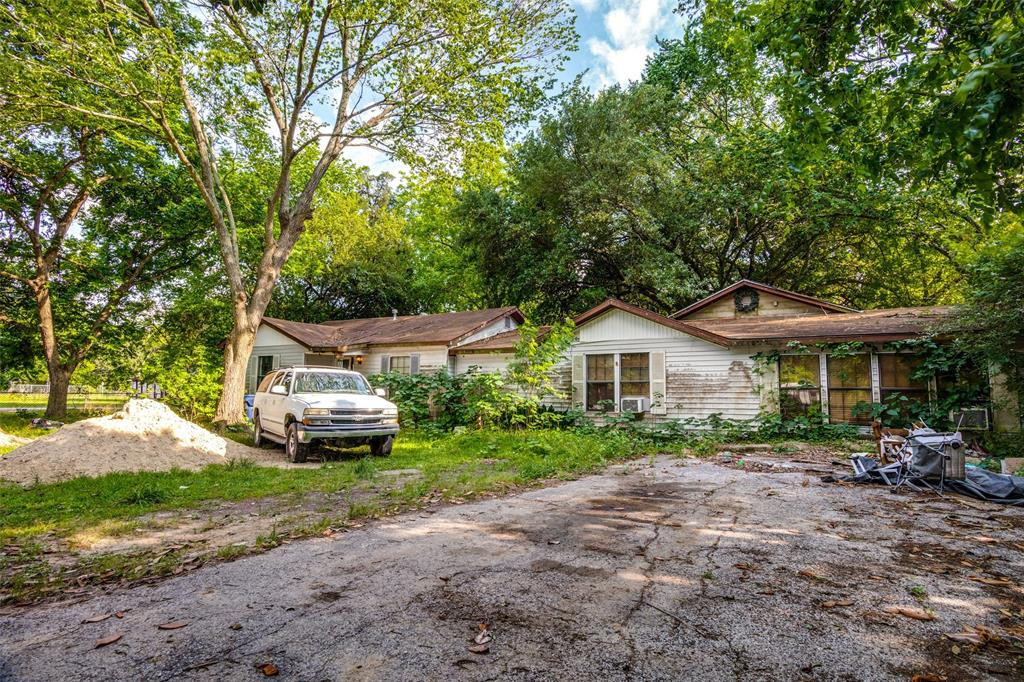 916 Woodland Street Property Photo - Channelview, TX real estate listing