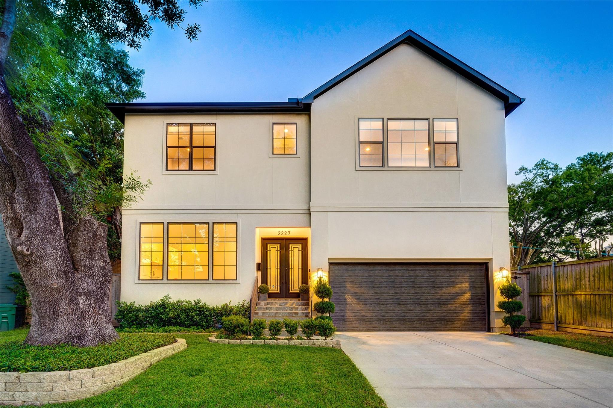 2227 Macarthur Street Property Photo